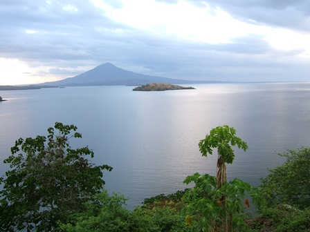 Nicaragua, a country of lakes and volcanoes